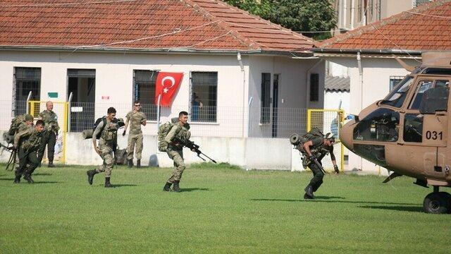 کماندوهای ترکیه به مرز با سوریه اعزام شدند