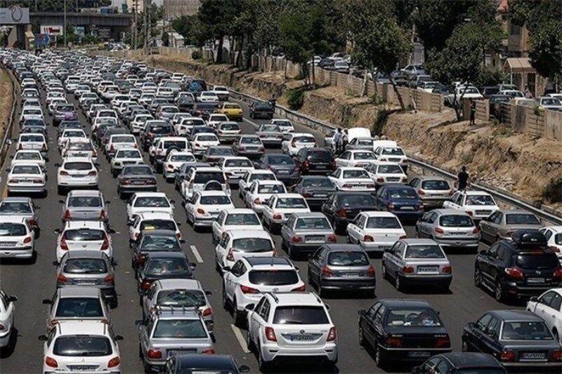 ترافیک در آزادراه قزوین - کرج - تهران سنگین است